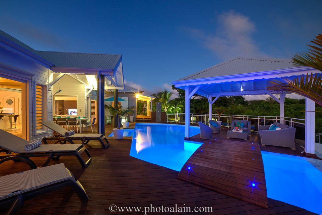 location villa guadeloupe sainte anne avec piscine priv e. Black Bedroom Furniture Sets. Home Design Ideas