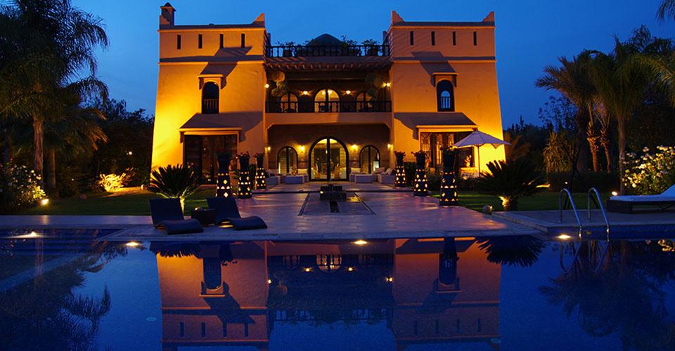 Location villa marrakech avec piscine pour 12 prs for Villa a marrakech avec piscine