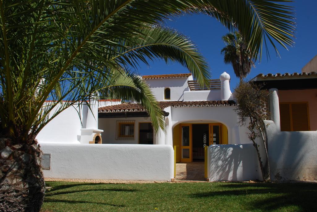 location maison vacance sur la c te sud du portugal pr s de l 39 algarve. Black Bedroom Furniture Sets. Home Design Ideas
