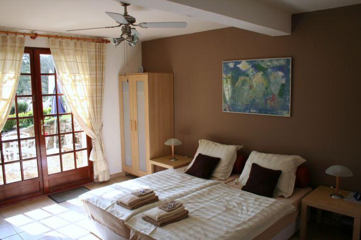 aquitaine dordogne perigord sarlat chambres d 39 hotes chambres d 39 hotes pr s de sarlat en. Black Bedroom Furniture Sets. Home Design Ideas