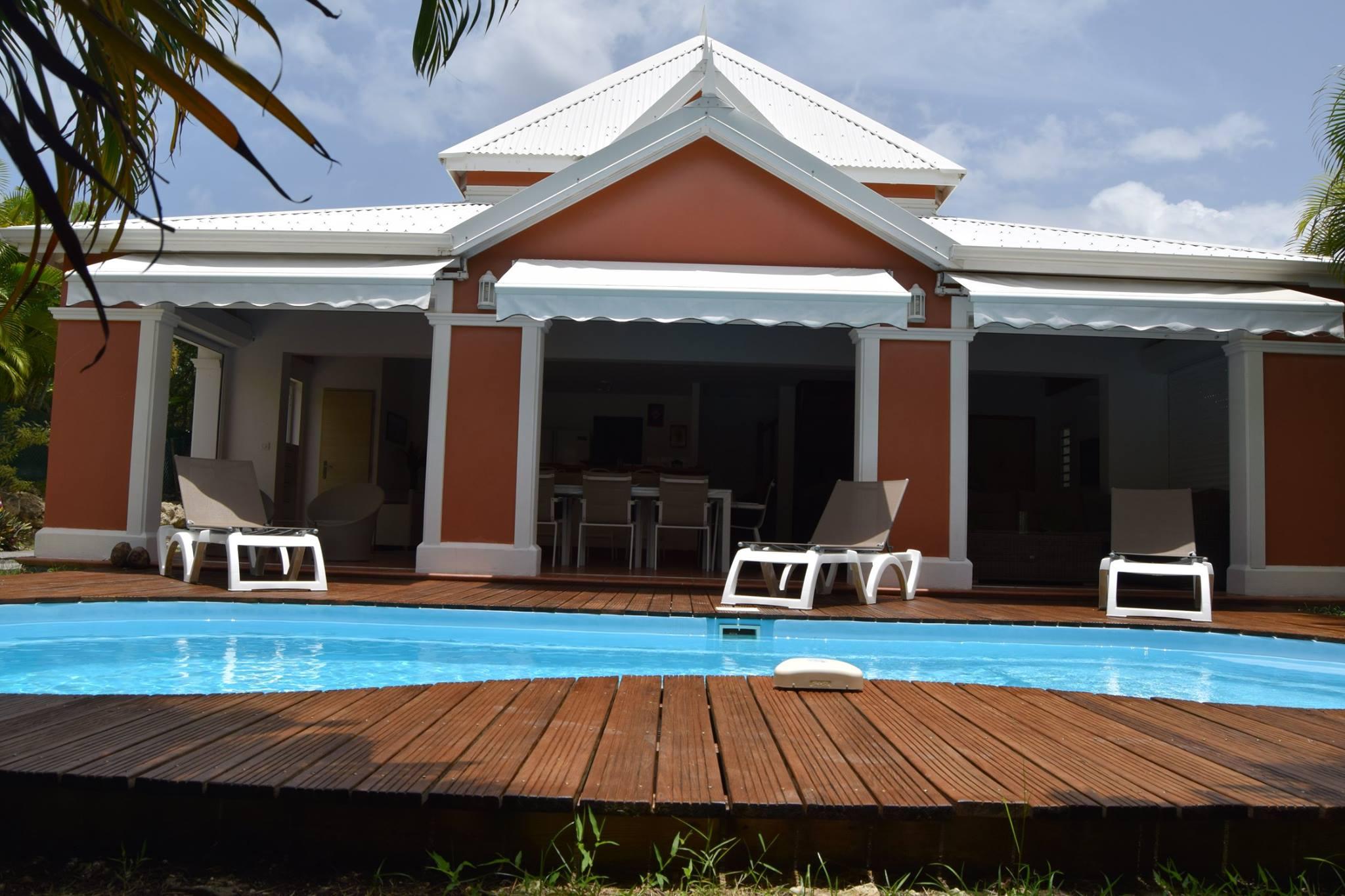 location villa guadeloupe avec piscine priv e 800 m de la plage. Black Bedroom Furniture Sets. Home Design Ideas
