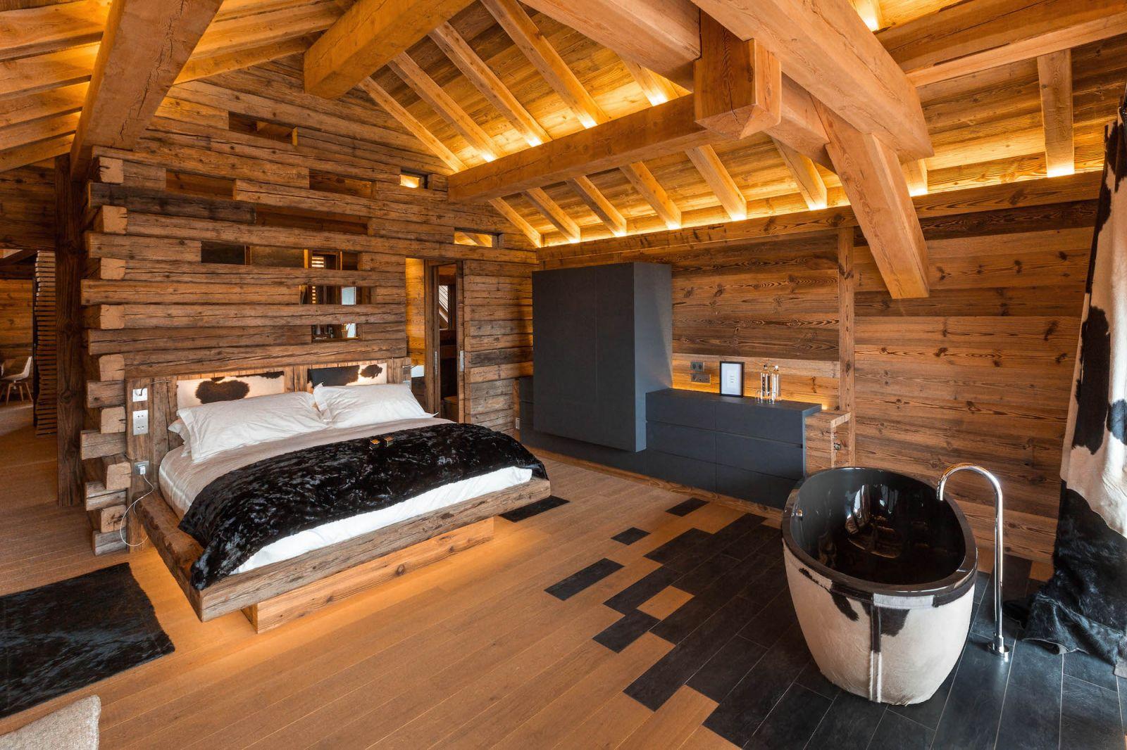location chalet luxe serre chevalier pied des pistes piscine interieure. Black Bedroom Furniture Sets. Home Design Ideas