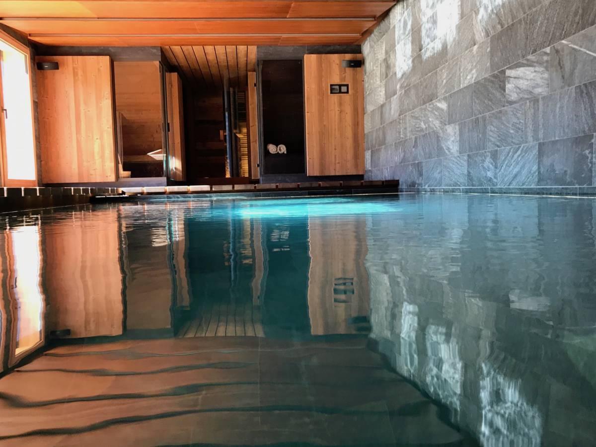 Faire Construire Une Piscine Intérieure location chalet luxe serre chevalier pied des pistes piscine interieure spa  services conciergerie (2)
