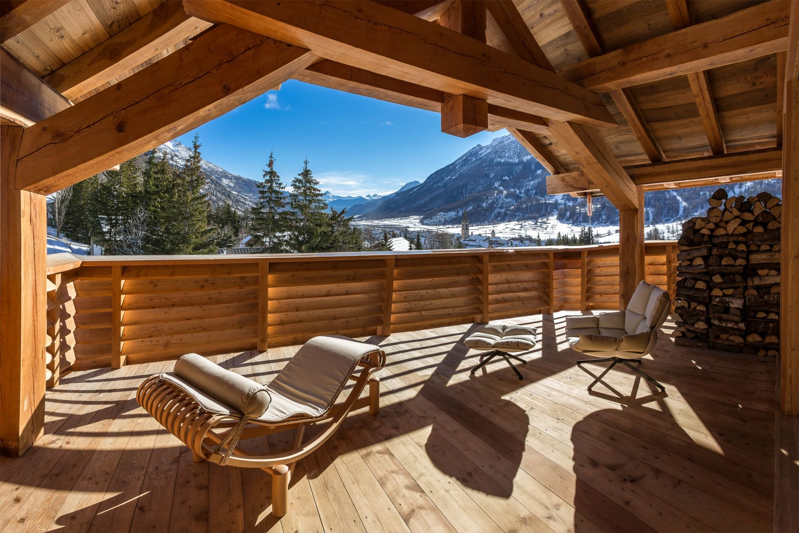 location chalet luxe serre chevalier pied des pistes piscine interieure. Black Bedroom Furniture Sets. Home Design Ideas