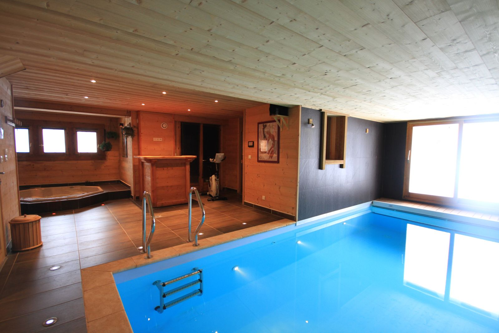 location chalet luxe serre chevalier pied des pistes piscine spa. Black Bedroom Furniture Sets. Home Design Ideas