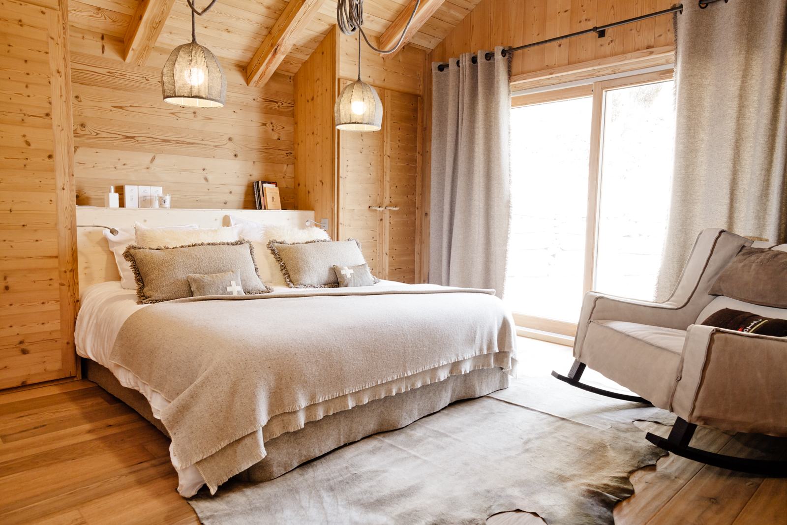 location chalet luxe serre chevalier pied des pistes services conciergerie. Black Bedroom Furniture Sets. Home Design Ideas