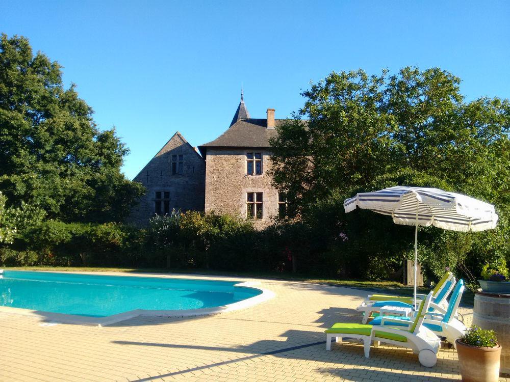 Location d 39 un chateau avec piscine entre saumur et angers for Piscine saumur