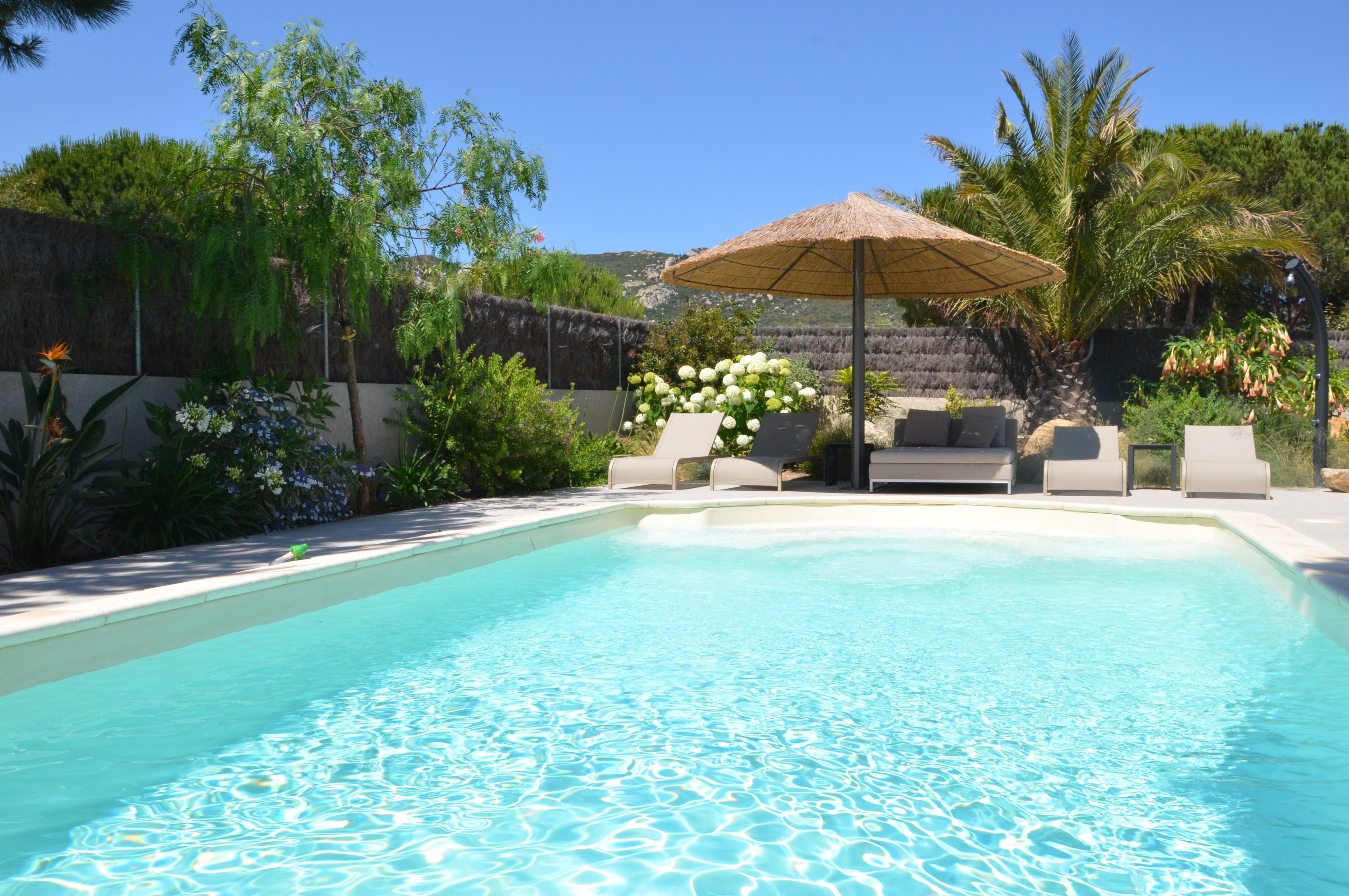 corse calvi ile rousse villa location villa calvi avec piscine privee et services en corse. Black Bedroom Furniture Sets. Home Design Ideas