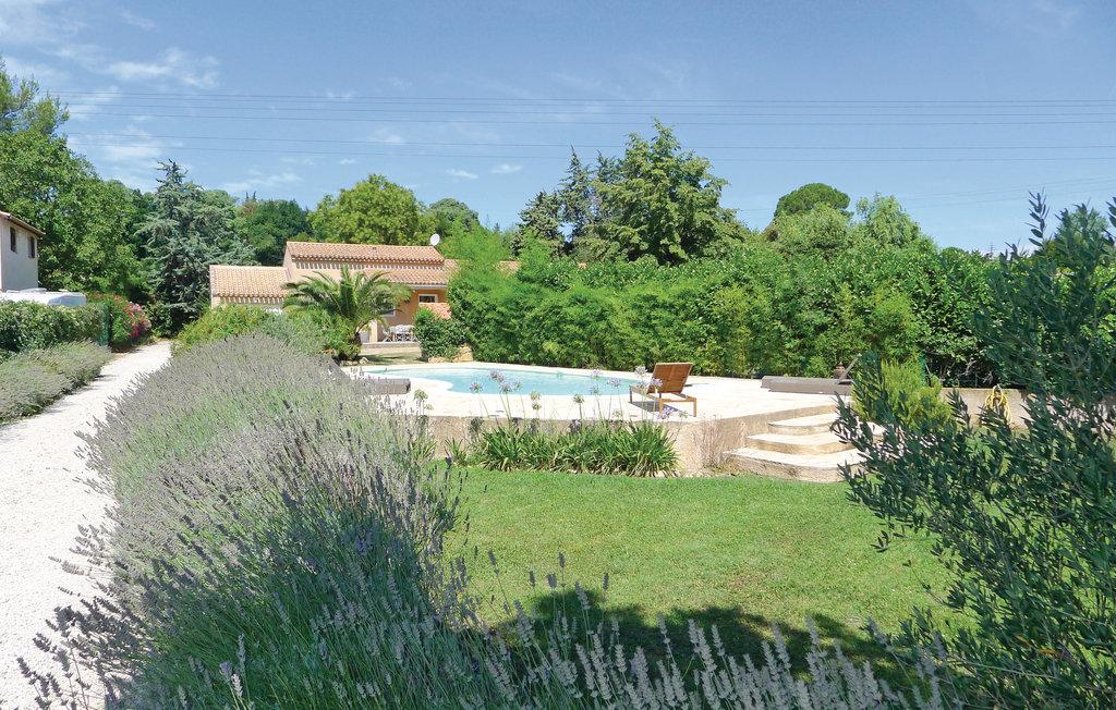 Salon de provence location villa provence avec piscine privee Piscine salon de provence canourgues