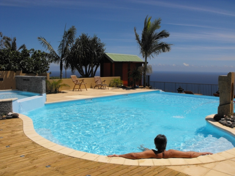 Saint leu saint leu gites location vacances saint for Location meuble ile de la reunion