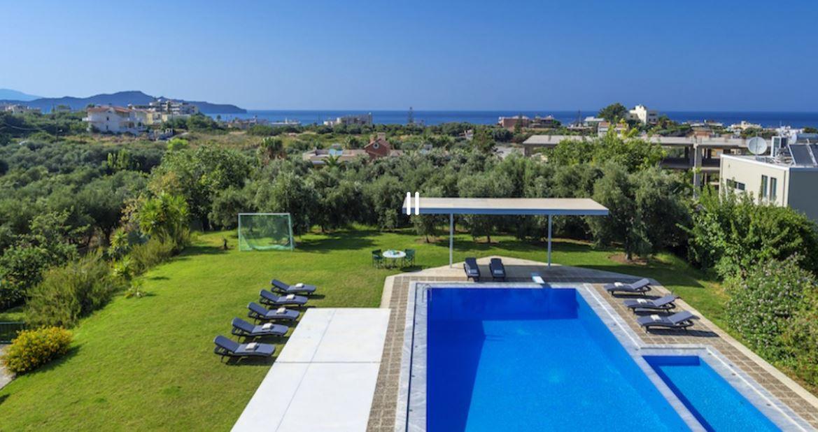 Location Vacances Villa De Luxe En Crete Avec Piscine