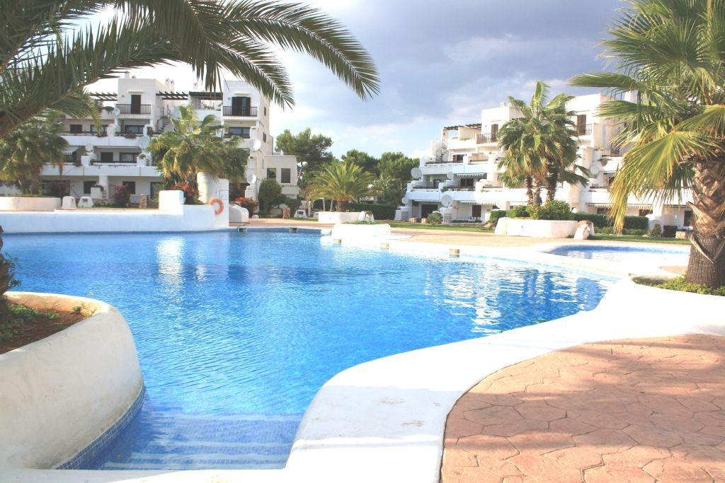Location appartement majorque piscine cala d 39 or les for Piscine baleares