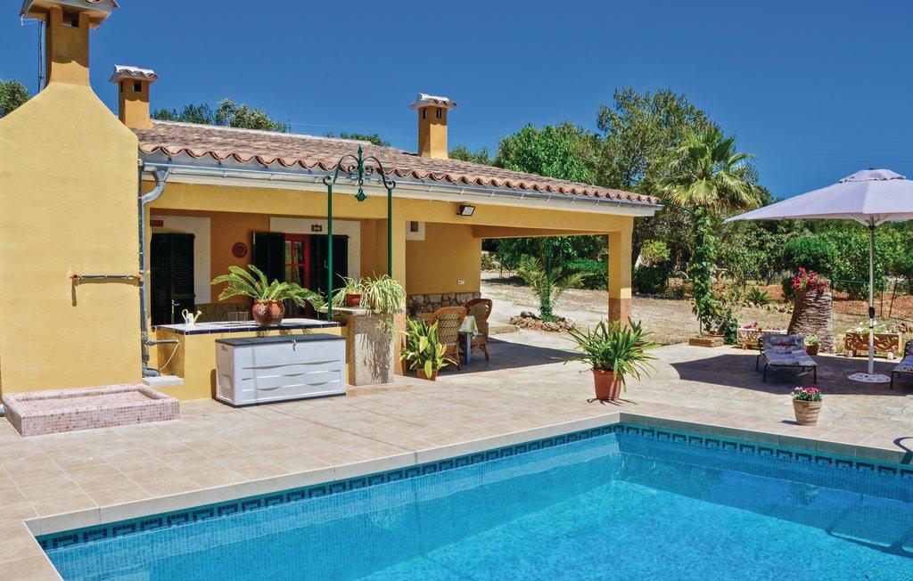 location maison de vacances majorque piscine priv e inca les bal ares. Black Bedroom Furniture Sets. Home Design Ideas