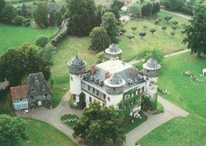Auvergne aurillac chambres d 39 hotes chambres d 39 hotes auvergne avec piscine au ch teau pr s d - Chambre d hote en auvergne avec piscine ...
