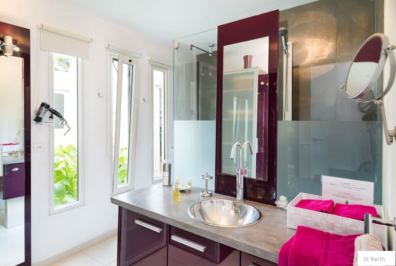 Location vacances st barthélémy villa moderne à st barth gouverneur caraibes antilles