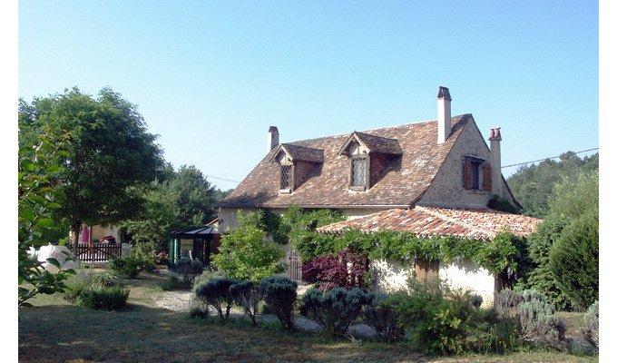 Dordogne location vacances avec piscine privee bergerac for Autrefois maison privee