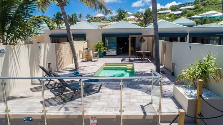 st martin location villa les pieds dans l 39 eau avec jacuzzi cul. Black Bedroom Furniture Sets. Home Design Ideas