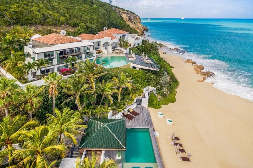 Location villa de luxe sur la plage baie rouge saint for O piscines de martin saintes