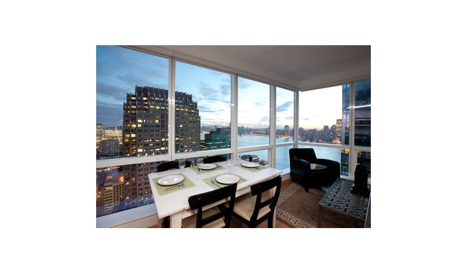 location appartement de luxe jersey city face manhattan new york. Black Bedroom Furniture Sets. Home Design Ideas