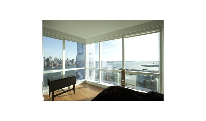 location appartement de luxe jersey city face manhattan new york. Black Bedroom Furniture Sets. Home Design Ideas