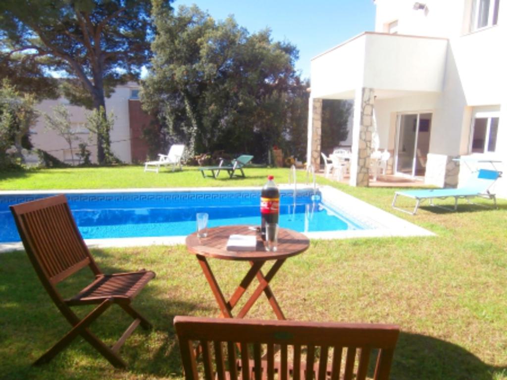 Location villa costa brava tamariu for Villa costa brava location avec piscine