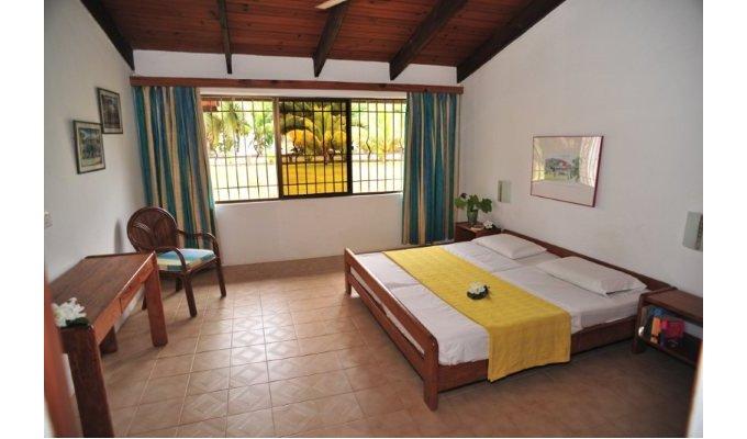 mahe anse a la mouche chalet blue lagoon chalets seychelles. Black Bedroom Furniture Sets. Home Design Ideas