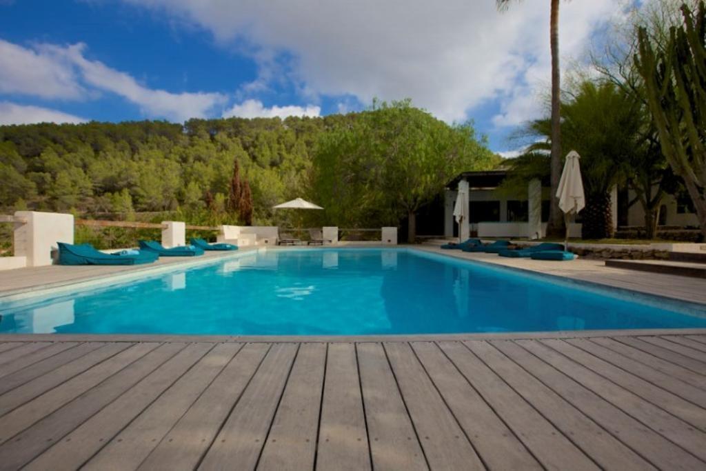 location villa ibiza piscine priv e san agustin les bal ares. Black Bedroom Furniture Sets. Home Design Ideas