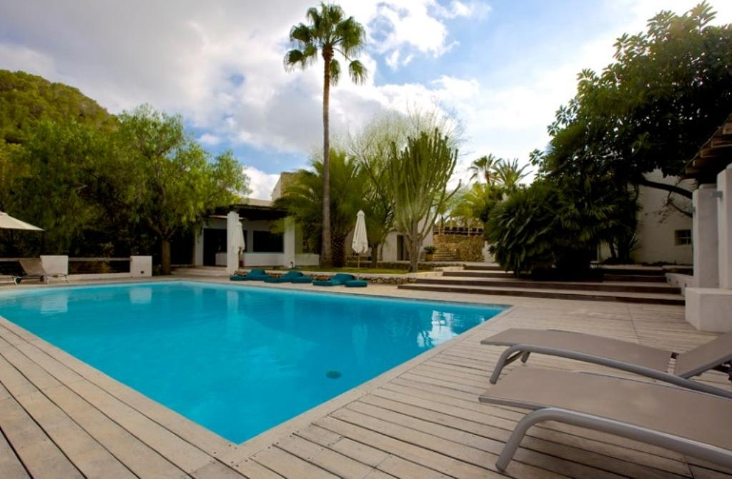 Location villa ibiza piscine priv e san agustin les for Piscine baleares