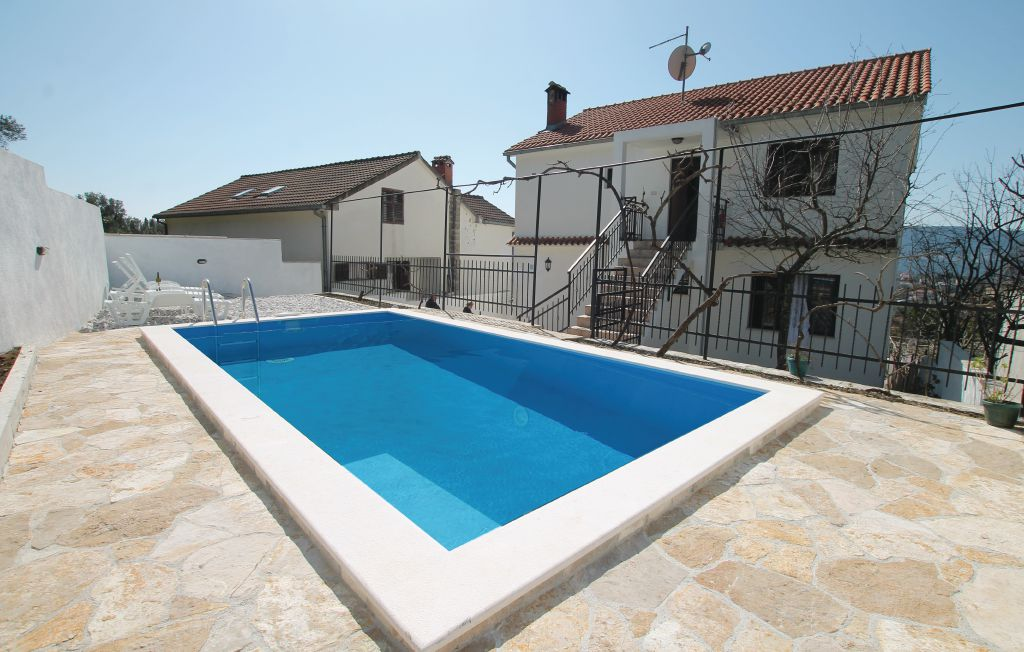 herceg novi riviera herceg novi maison vacances montenegro herceg novi riviera herceg novi. Black Bedroom Furniture Sets. Home Design Ideas