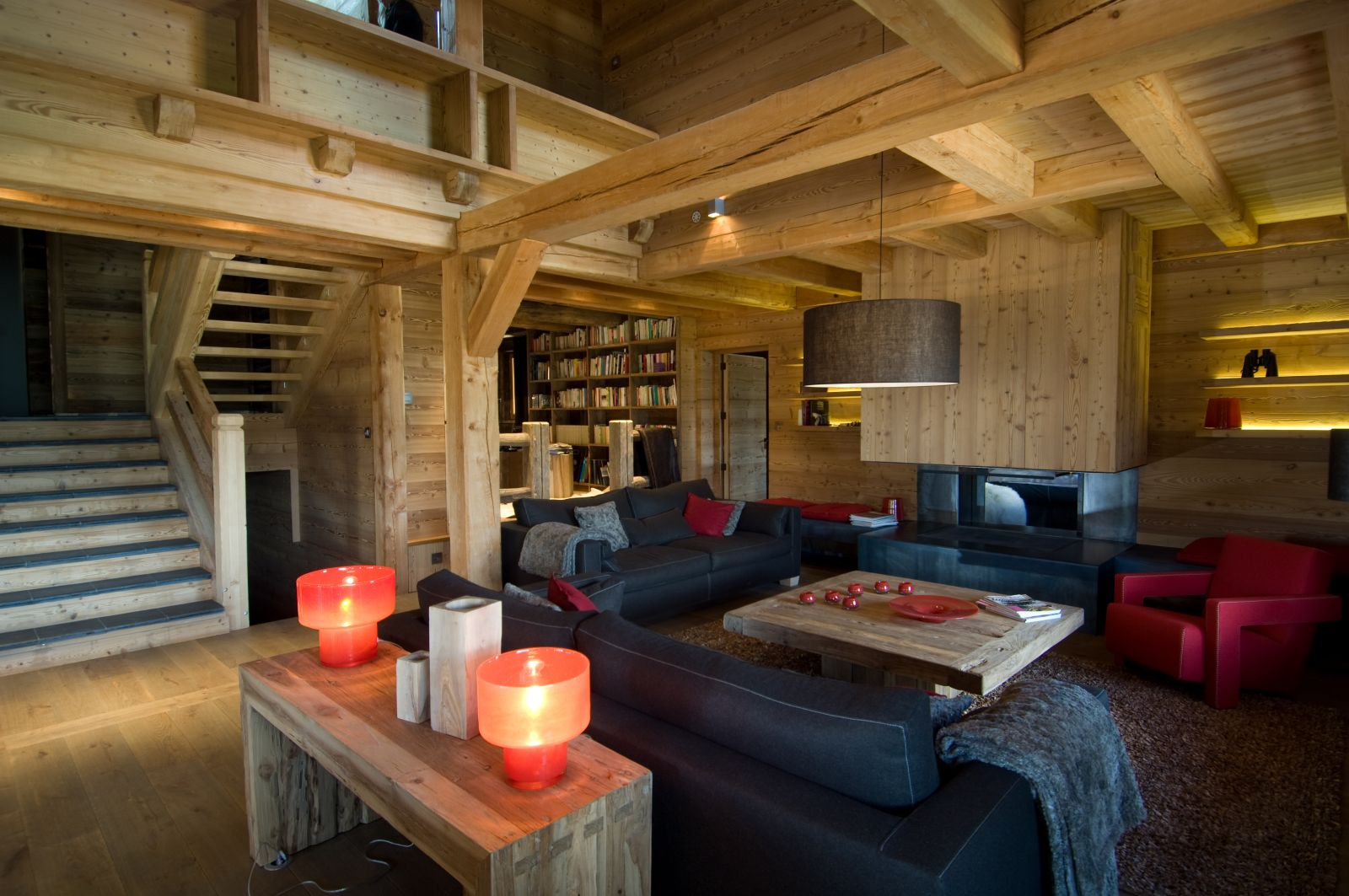 Location chalet luxe serre chevalier pied des pistes piscine interieure for Location luxe