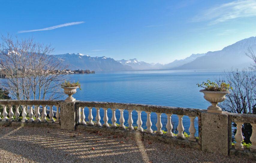 Location villa de luxe sur le lac de geneve en suisse for Maison luxe suisse