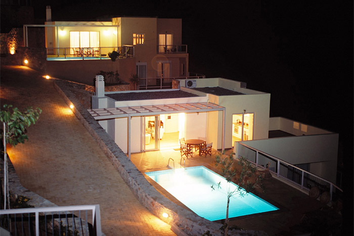 Location de vacances en crete villa de luxe crete 2 for Sejour piscine privee