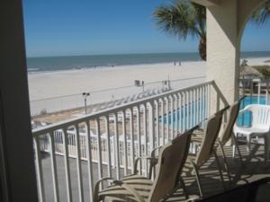 Location condo appartement condo madeira beach floride for Chambre condos madeira beach florida