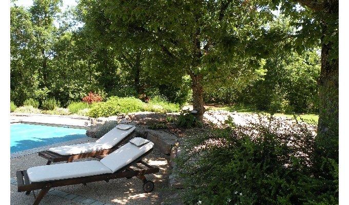 Aveyron location vacances millau location gite aveyron for Gite piscine aveyron