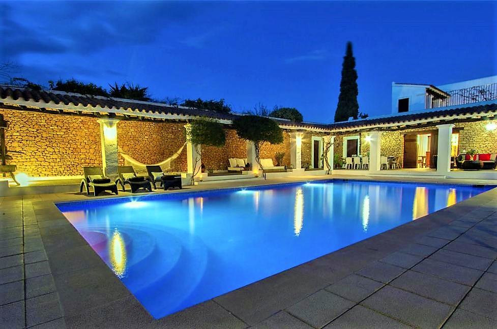Location villa de luxe ibiza piscine priv e iles bal ares espagne for Maison luxe ibiza