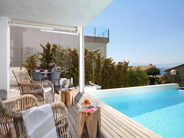 Location villa majorque piscine privée bord de mer alcanada îles baléares