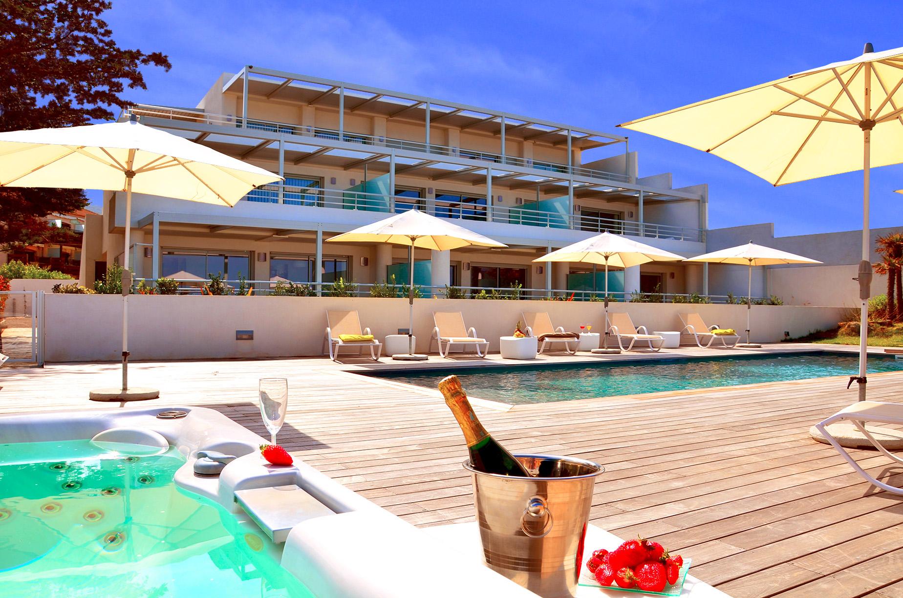 R sidence h teli re de luxe 5 sur la plage ile rousse for Residence hoteliere