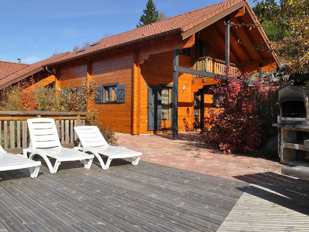Location vacances gerardmer chalet vue sur le lac pour 10 for Piscine a gerardmer