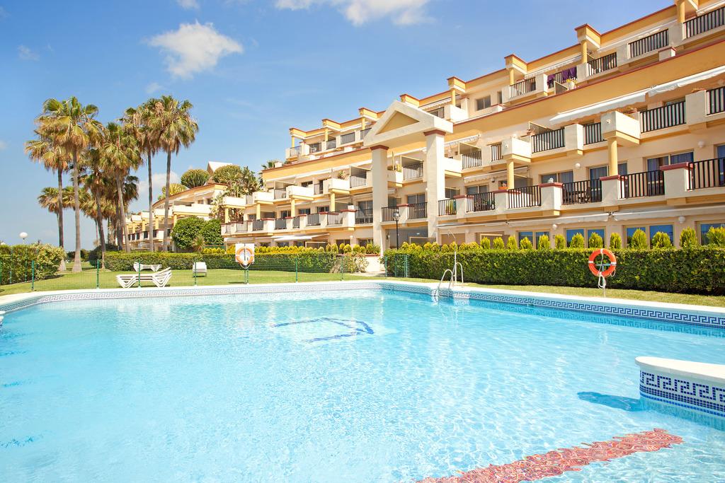 Costa del sol malaga marbella appartement location for Piscine marbella