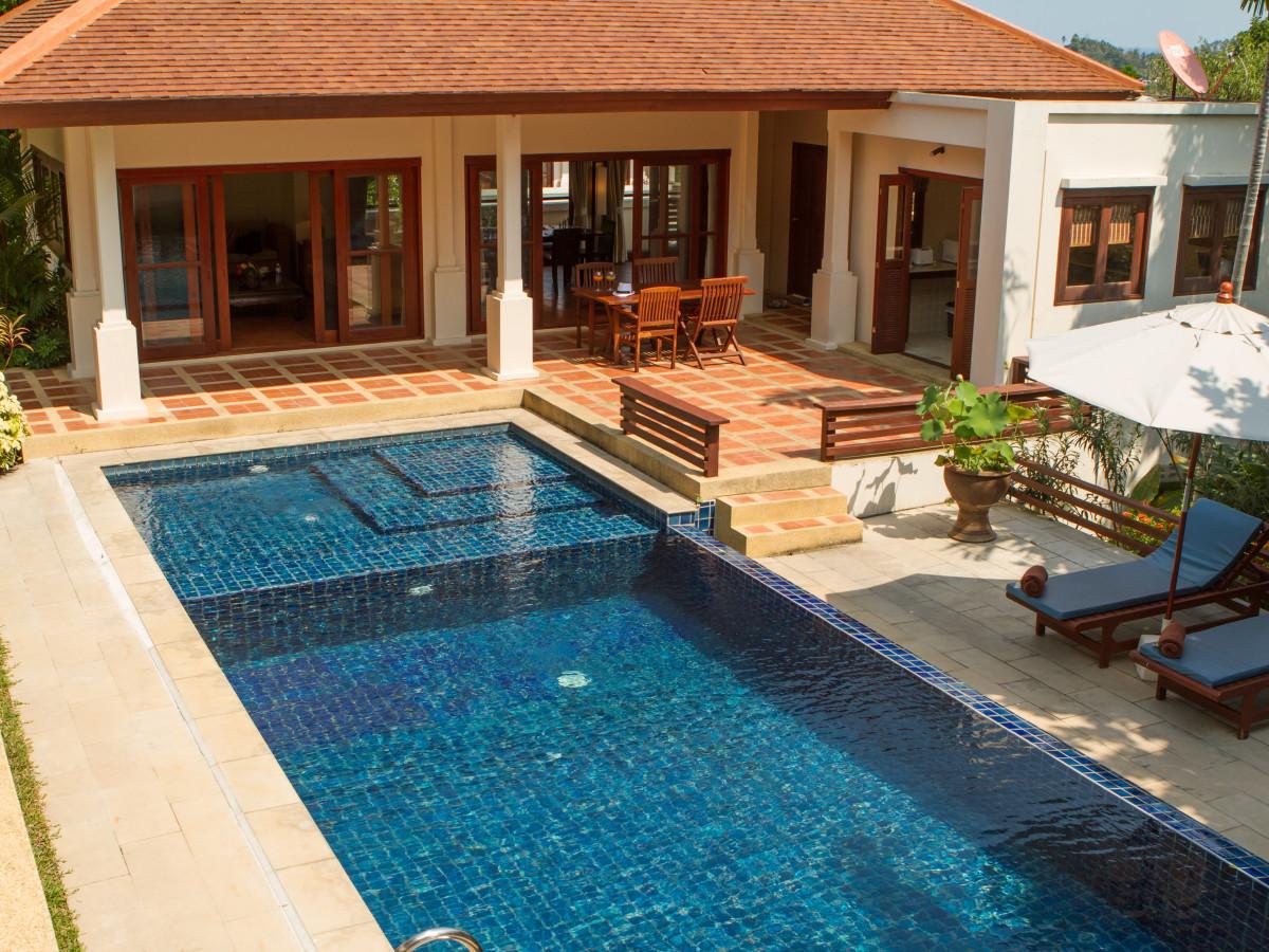 Location de vacances thailande villa avec piscine proche for Piscine a debordement thailande