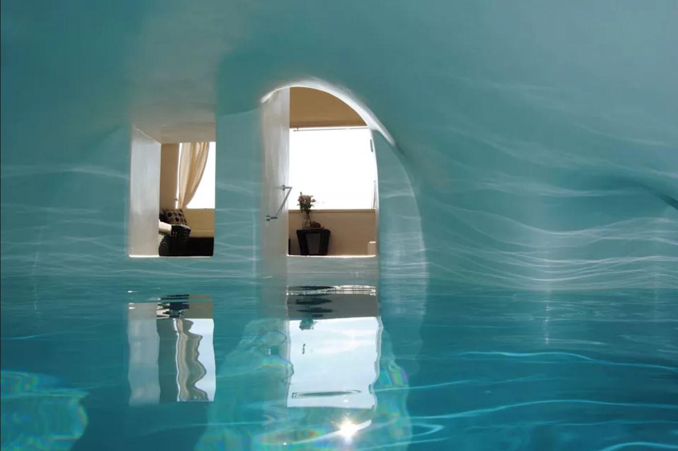 grece location vacances santorin suite de luxe caldera oia. Black Bedroom Furniture Sets. Home Design Ideas