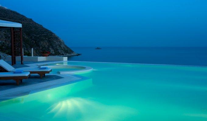 Location villa de luxe mykonos avec piscine priv e et for Villa piscine debordement