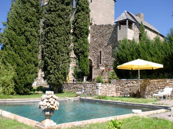 aveyron location vacances villefranche de rouergue location chateau. Black Bedroom Furniture Sets. Home Design Ideas